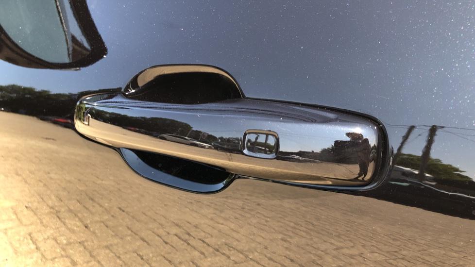 Volvo XC60 B4D Mild Hybrid R Design Pro AWD Auto, Sunroof, 360 Camera, Memory Seats, BLIS, Heated Screen image 7