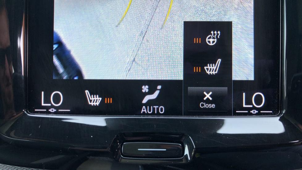 Volvo XC60 B4D Mild Hybrid R Design Pro AWD Auto, Sunroof, 360 Camera, Memory Seats, BLIS, Heated Screen image 19