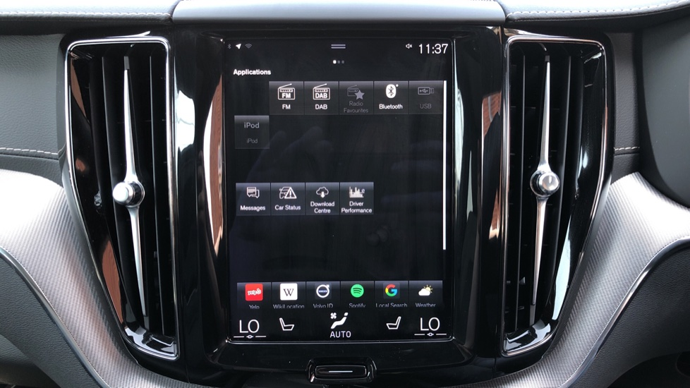 Volvo XC60 B4D Mild Hybrid R Design Pro AWD Auto, Sunroof, 360 Camera, Memory Seats, BLIS, Heated Screen image 24