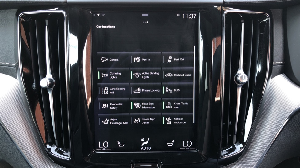 Volvo XC60 B4D Mild Hybrid R Design Pro AWD Auto, Sunroof, 360 Camera, Memory Seats, BLIS, Heated Screen image 23