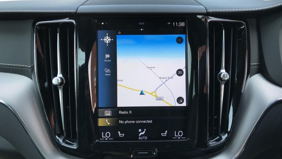 Volvo XC60 B4D Mild Hybrid R Design Pro AWD Auto, Sunroof, 360 Camera, Memory Seats, BLIS, Heated Screen image 6
