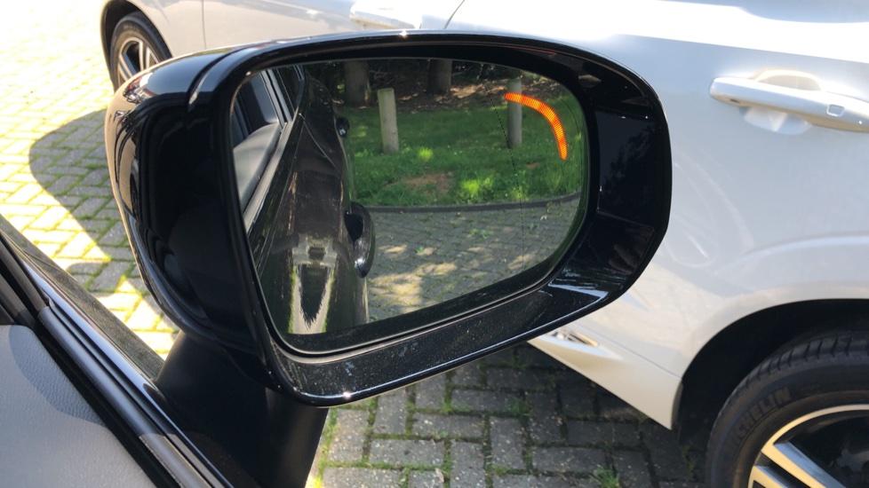Volvo XC60 B4D Mild Hybrid R Design Pro AWD Auto, Sunroof, 360 Camera, Memory Seats, BLIS, Heated Screen image 9