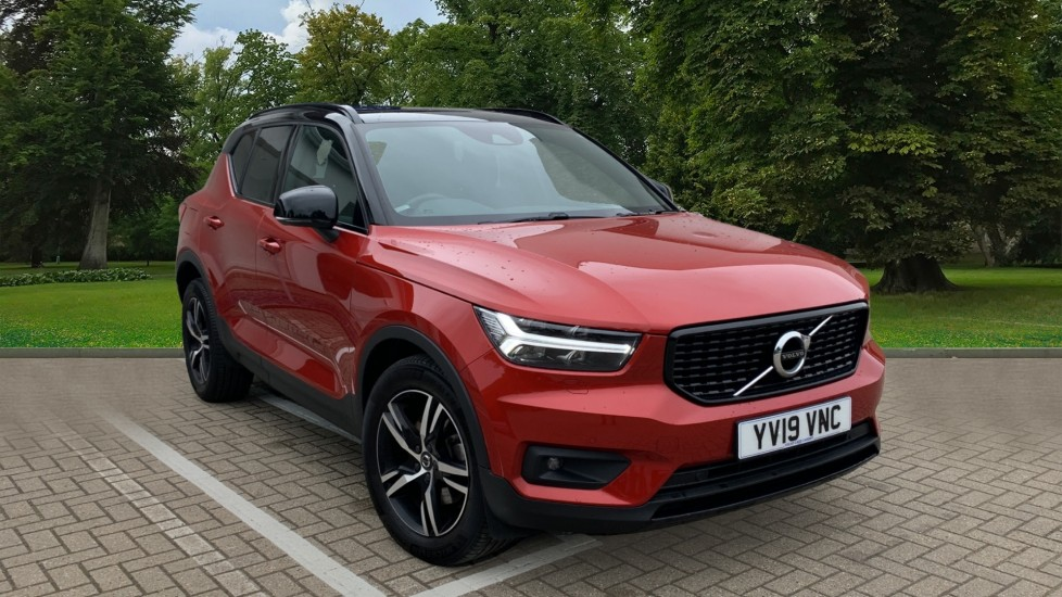 Volvo XC40 D4 R Design AWD Auto, Nav, Winter Pack with Heated Screen, Smartphone, Front and Rear Park Assist 2.0 Diesel Automatic 5 door 4x4 (2019)