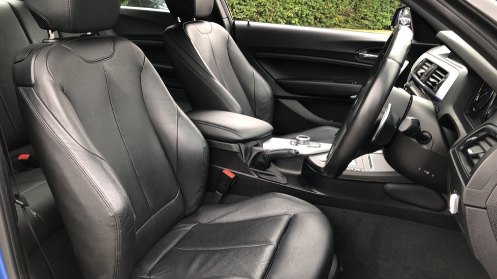 BMW 2 Series M240i 3.0 335hp Auto with Rear Park Sens, Bluetooth, DAB Radio, Keyless Drive 7 Gear Shift Paddles image 19