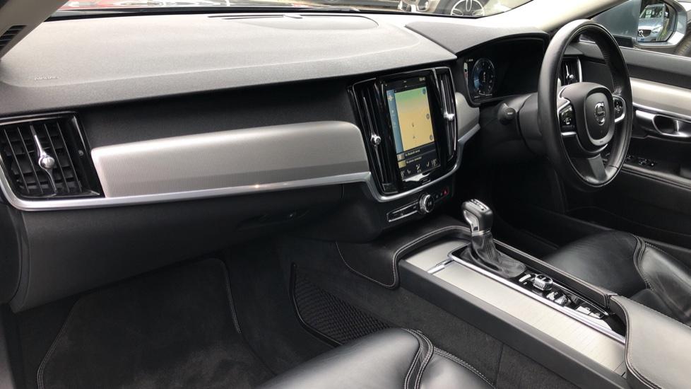 Volvo S90 D4 Inscription Auto, Nav, Heated Screen & Steering Wheel, DAB, CarPlay, R. Camera, Keyless Drive image 10