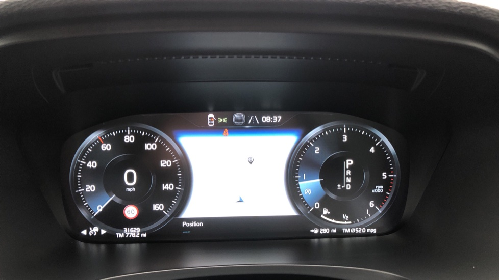 Volvo S90 D4 Inscription Auto, Nav, Heated Screen & Steering Wheel, DAB, CarPlay, R. Camera, Keyless Drive image 11
