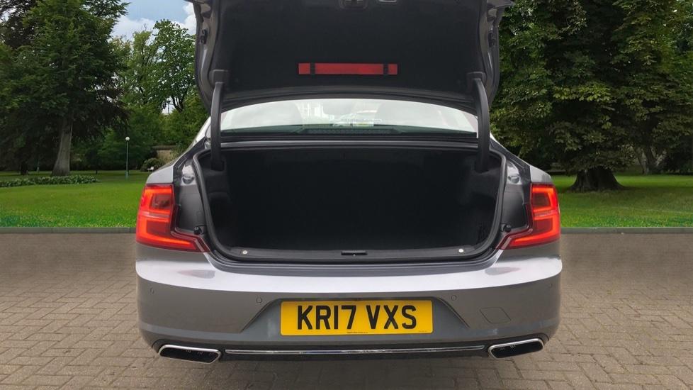 Volvo S90 D4 Inscription Auto, Nav, Heated Screen & Steering Wheel, DAB, CarPlay, R. Camera, Keyless Drive image 32