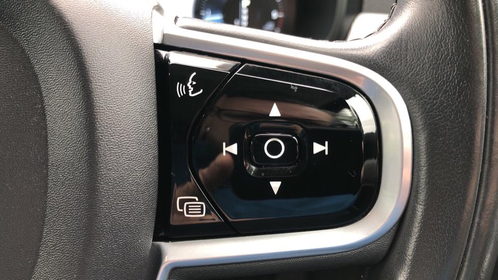 Volvo S90 D4 Inscription Auto, Nav, Heated Screen & Steering Wheel, DAB, CarPlay, R. Camera, Keyless Drive image 18