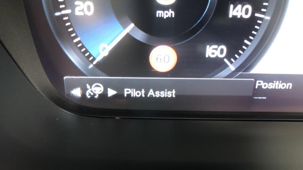 Volvo S90 D4 Inscription Auto, Nav, Heated Screen & Steering Wheel, DAB, CarPlay, R. Camera, Keyless Drive image 12