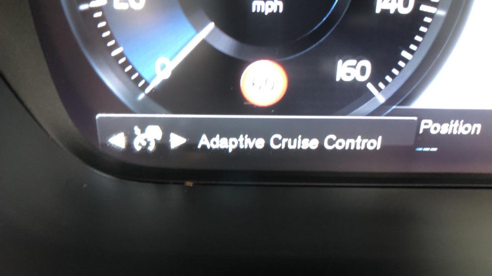 Volvo S90 D4 Inscription Auto, Nav, Heated Screen & Steering Wheel, DAB, CarPlay, R. Camera, Keyless Drive image 13