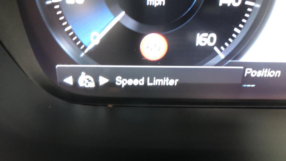 Volvo S90 D4 Inscription Auto, Nav, Heated Screen & Steering Wheel, DAB, CarPlay, R. Camera, Keyless Drive image 14