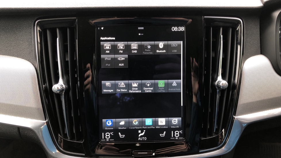 Volvo S90 D4 Inscription Auto, Nav, Heated Screen & Steering Wheel, DAB, CarPlay, R. Camera, Keyless Drive image 34
