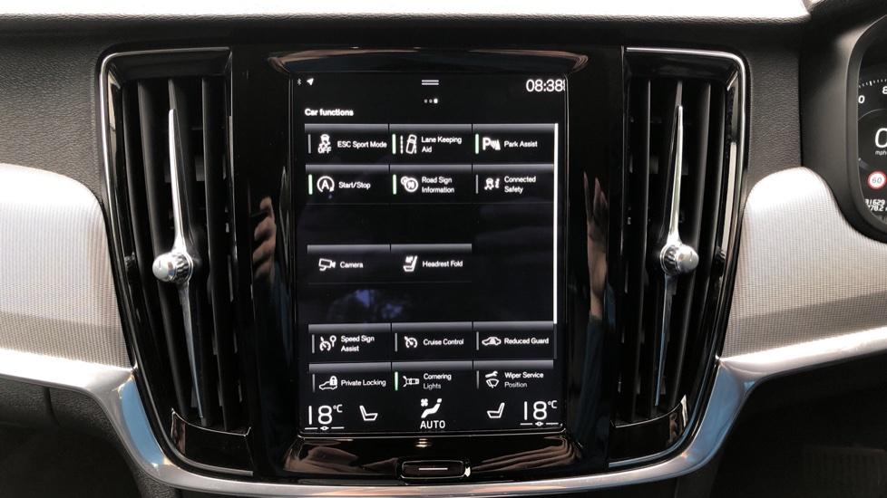 Volvo S90 D4 Inscription Auto, Nav, Heated Screen & Steering Wheel, DAB, CarPlay, R. Camera, Keyless Drive image 25