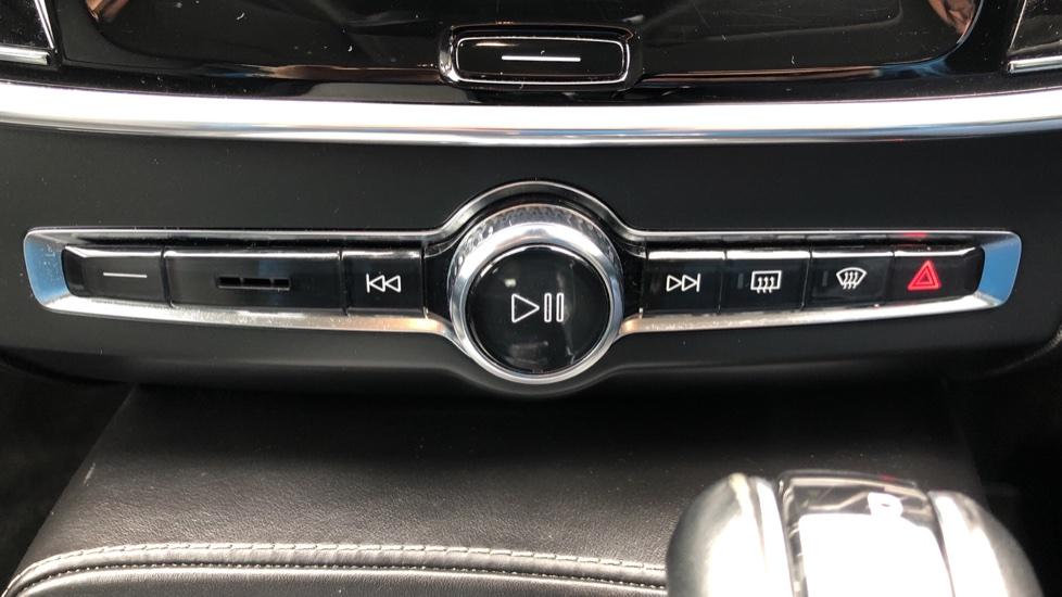 Volvo S90 D4 Inscription Auto, Nav, Heated Screen & Steering Wheel, DAB, CarPlay, R. Camera, Keyless Drive image 27