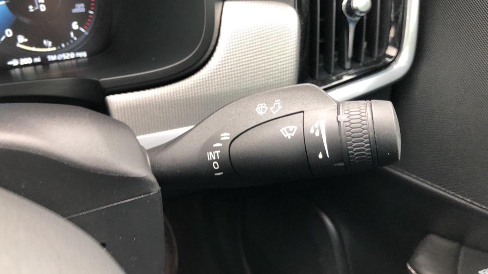 Volvo S90 D4 Inscription Auto, Nav, Heated Screen & Steering Wheel, DAB, CarPlay, R. Camera, Keyless Drive image 16