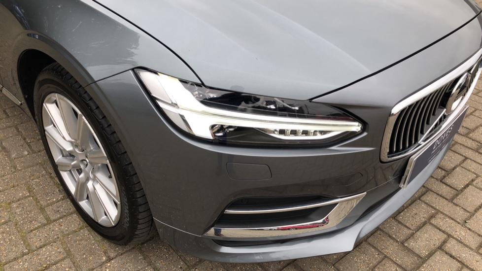 Volvo S90 D4 Inscription Auto, Nav, Heated Screen & Steering Wheel, DAB, CarPlay, R. Camera, Keyless Drive image 38