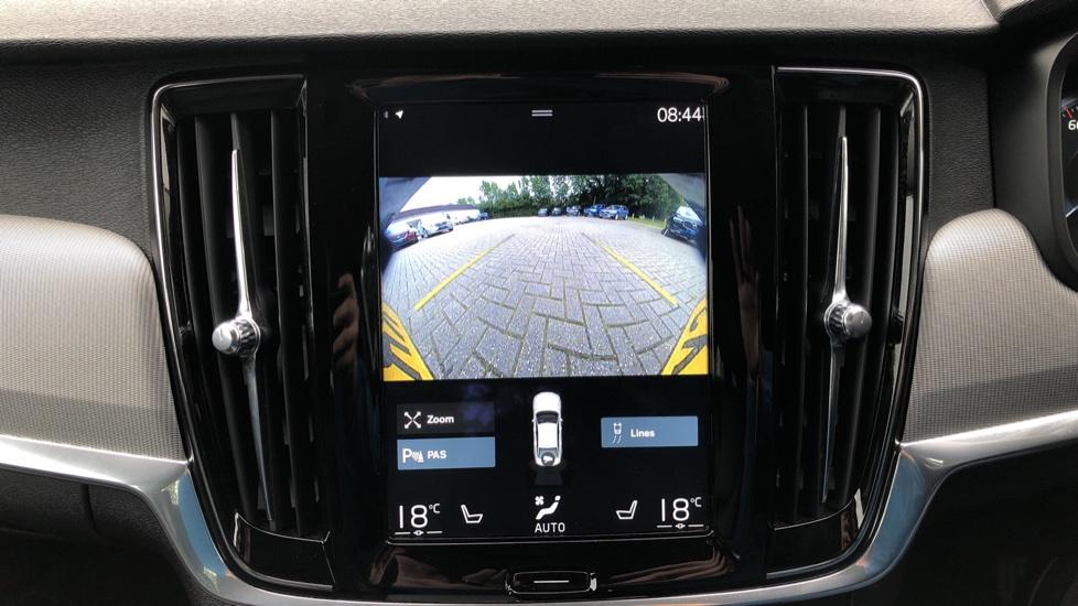 Volvo S90 D4 Inscription Auto, Nav, Heated Screen & Steering Wheel, DAB, CarPlay, R. Camera, Keyless Drive image 7