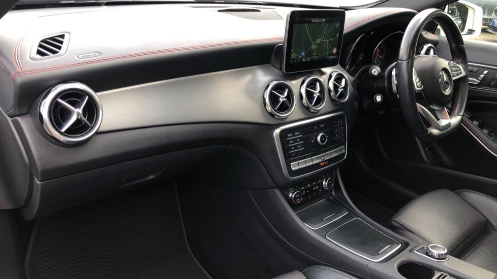 Mercedes-Benz GLA-Class GLA 250 4Matic AMG Line Premium Plus Auto, Nav, Sunroof, R.Camera, Heated Seats, F & R Sensors image 11