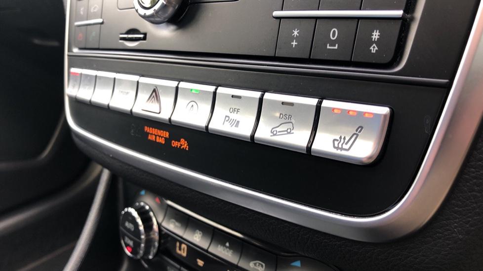 Mercedes-Benz GLA-Class GLA 250 4Matic AMG Line Premium Plus Auto, Nav, Sunroof, R.Camera, Heated Seats, F & R Sensors image 20