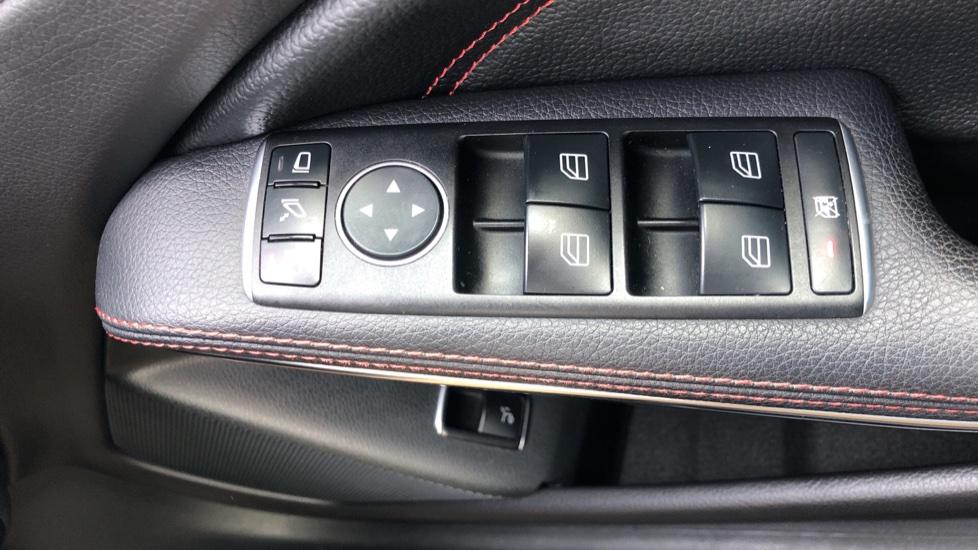 Mercedes-Benz GLA-Class GLA 250 4Matic AMG Line Premium Plus Auto, Nav, Sunroof, R.Camera, Heated Seats, F & R Sensors image 48