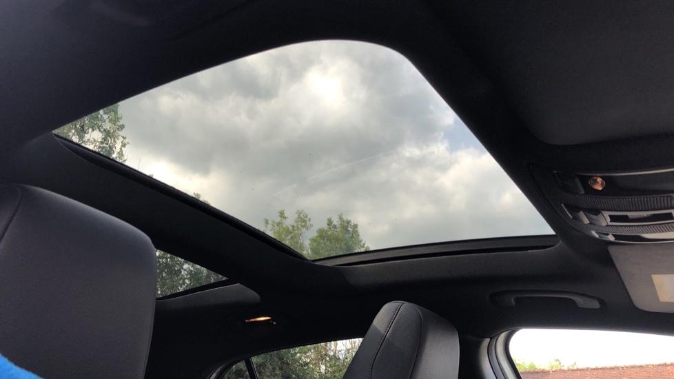 Mercedes-Benz GLA-Class GLA 250 4Matic AMG Line Premium Plus Auto, Nav, Sunroof, R.Camera, Heated Seats, F & R Sensors image 6