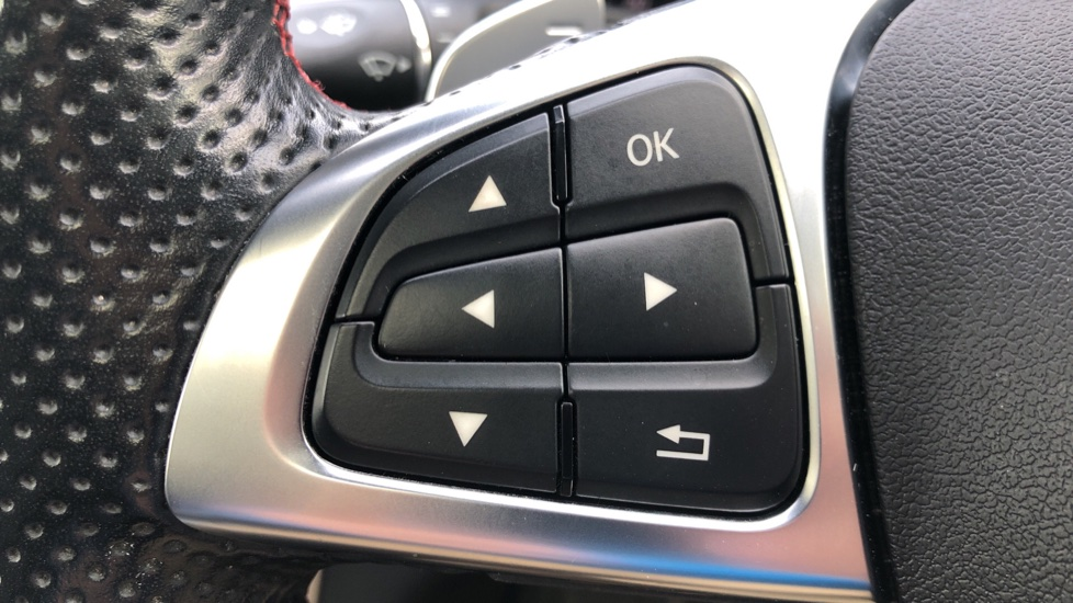 Mercedes-Benz GLA-Class GLA 250 4Matic AMG Line Premium Plus Auto, Nav, Sunroof, R.Camera, Heated Seats, F & R Sensors image 13