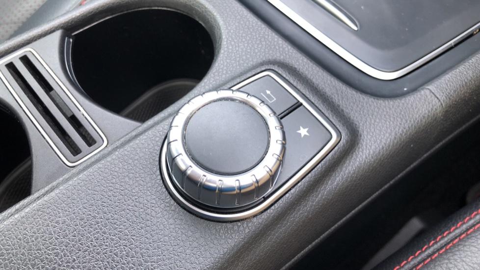 Mercedes-Benz GLA-Class GLA 250 4Matic AMG Line Premium Plus Auto, Nav, Sunroof, R.Camera, Heated Seats, F & R Sensors image 27