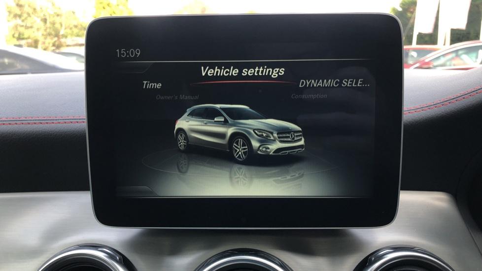 Mercedes-Benz GLA-Class GLA 250 4Matic AMG Line Premium Plus Auto, Nav, Sunroof, R.Camera, Heated Seats, F & R Sensors image 31