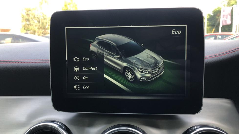 Mercedes-Benz GLA-Class GLA 250 4Matic AMG Line Premium Plus Auto, Nav, Sunroof, R.Camera, Heated Seats, F & R Sensors image 32