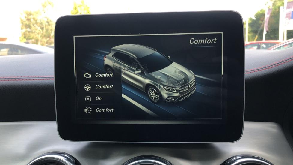 Mercedes-Benz GLA-Class GLA 250 4Matic AMG Line Premium Plus Auto, Nav, Sunroof, R.Camera, Heated Seats, F & R Sensors image 33
