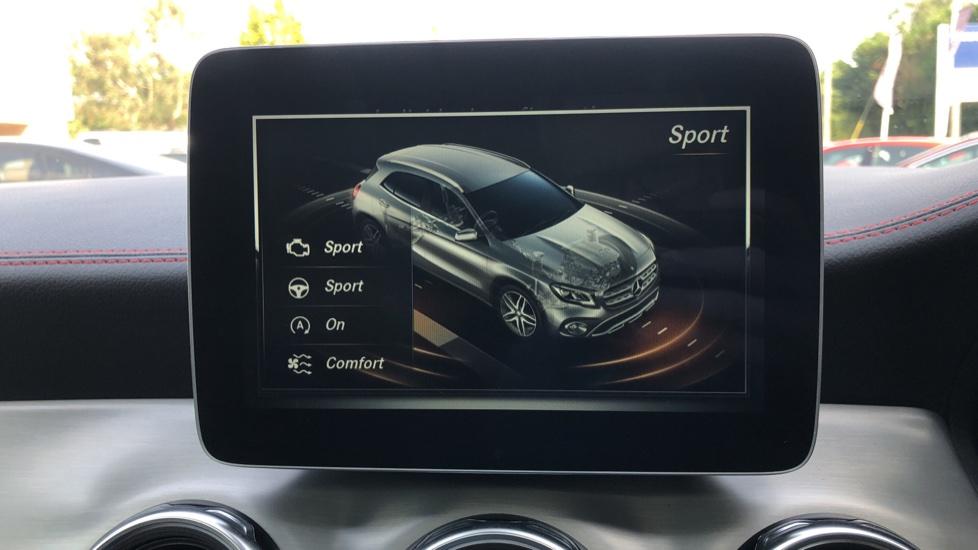 Mercedes-Benz GLA-Class GLA 250 4Matic AMG Line Premium Plus Auto, Nav, Sunroof, R.Camera, Heated Seats, F & R Sensors image 34