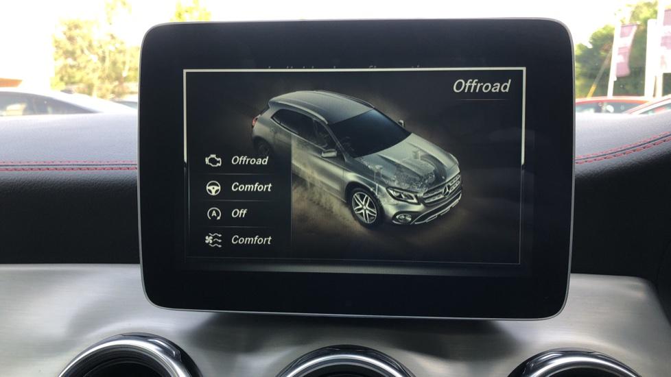 Mercedes-Benz GLA-Class GLA 250 4Matic AMG Line Premium Plus Auto, Nav, Sunroof, R.Camera, Heated Seats, F & R Sensors image 36