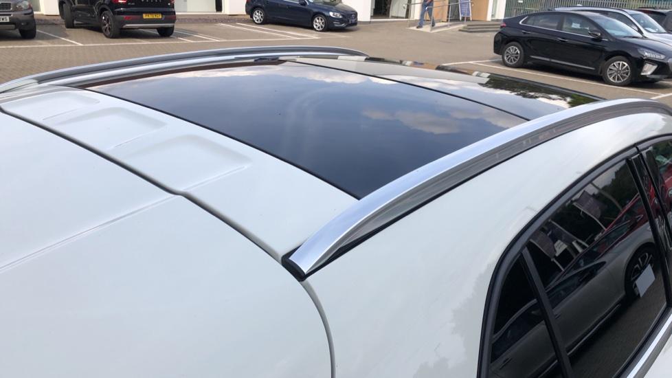 Mercedes-Benz GLA-Class GLA 250 4Matic AMG Line Premium Plus Auto, Nav, Sunroof, R.Camera, Heated Seats, F & R Sensors image 38