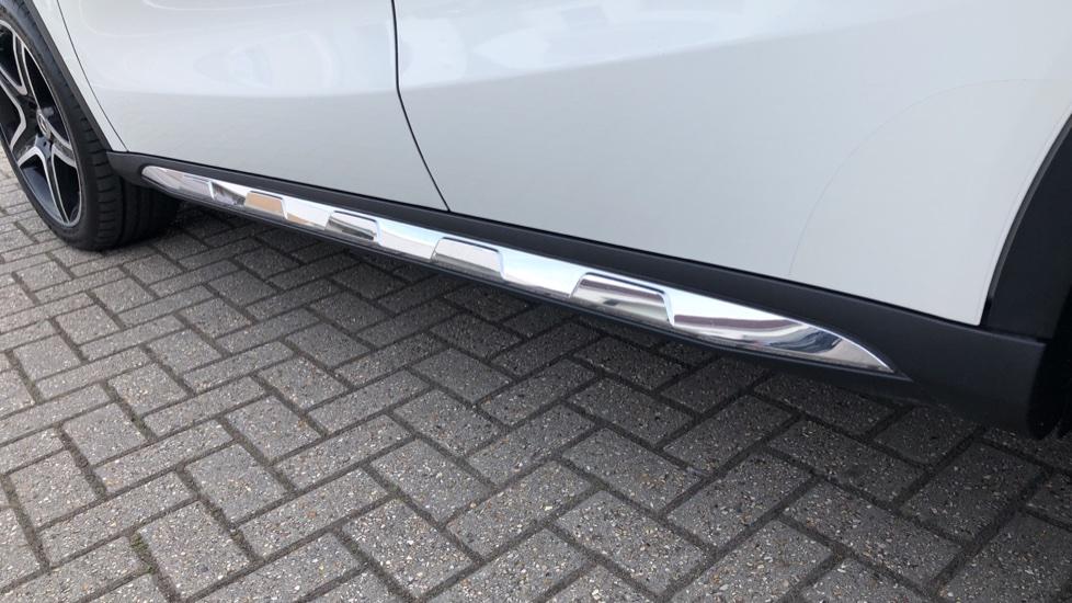 Mercedes-Benz GLA-Class GLA 250 4Matic AMG Line Premium Plus Auto, Nav, Sunroof, R.Camera, Heated Seats, F & R Sensors image 40