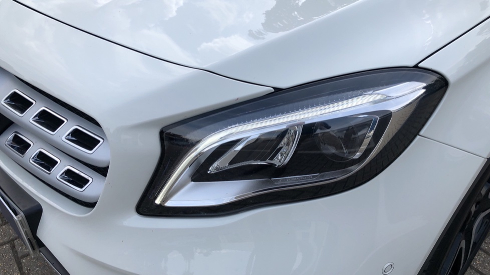 Mercedes-Benz GLA-Class GLA 250 4Matic AMG Line Premium Plus Auto, Nav, Sunroof, R.Camera, Heated Seats, F & R Sensors image 41